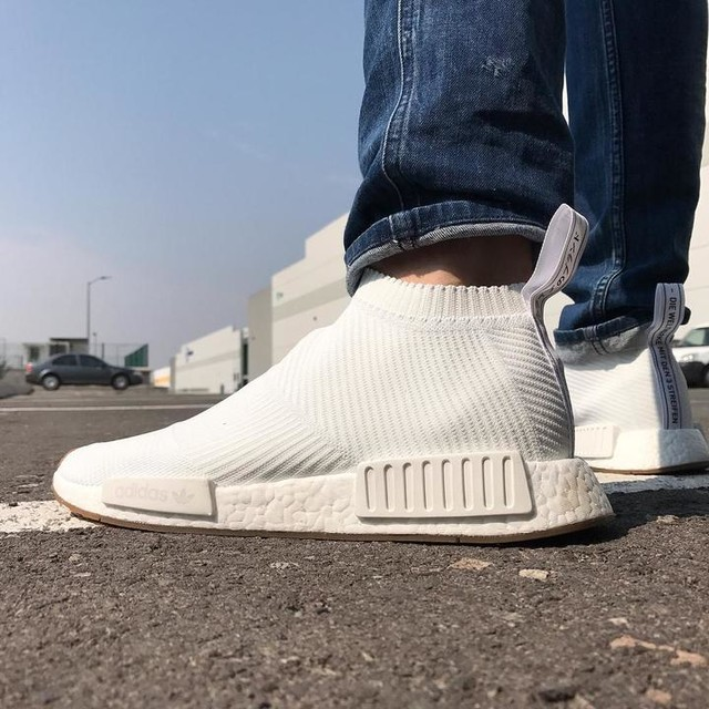 White gum's. . . . #sneakerfevermx #desempacados #empacados #adidas #adidasnmd #adidasmx #citysock #nmd #boost #boostvibes #boostheads #sneakers #sneakerhead #sneakyfreeky #sneaky_freeky #sneakersnstuff