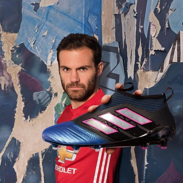 Ice cold in blue blast. ❄💥 @juanmatagarcia's new ACE17+ Purecontrol from @adidasfootball. Link in our bio.  #ACE17 #NeverFollow