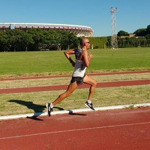 Aprendamos a disfrutar de cada momento!!! Recordemos que  tiempo es lo único que no podemos recuperar y encima pasa rapido!!! Seguimos trabajando... Hoy fueron 7x1000 movidas !!! . . . #objetivosclaros💪 #adidasar #adizero #adizeroadios4 #instrarunners #Heretocreate #Runners #Takecharge #Motivation #RunforLife #Loverunning #Argentina #gualeguaychú