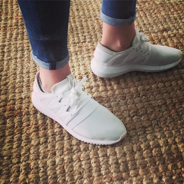 Pumped up kicks ⚡️ Adidas Tubular Viral ✌🏻️ #kicks #sneakers #sneakergame #adidas #adidasoriginals #tubular #friyay #weekend #capetown #woodstock
