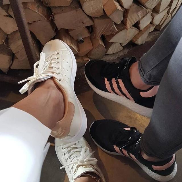#itsmamaswagday #adidas#3stripesstyle #iniki #stansmith  #beachlife #💋💋💋