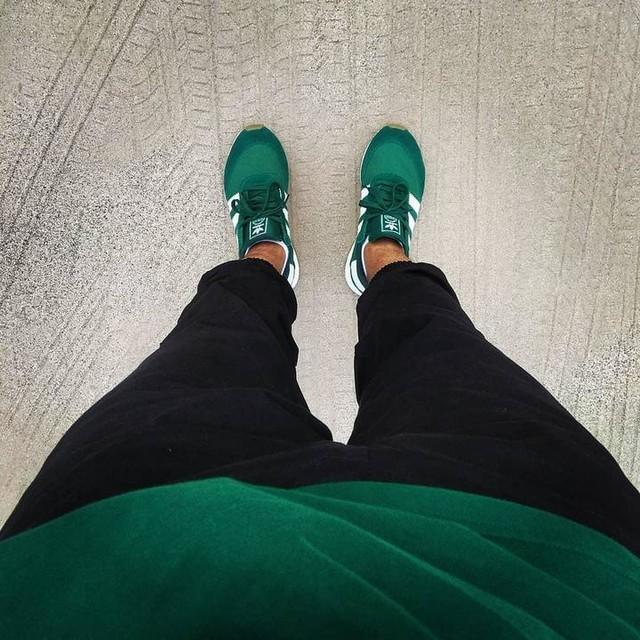 Love green 💚💚💚 #adidas #inikiboost #iniki #boost #ultraboost #adidasoriginal #hypebeast #adicolors #greens #adidasgreen #kicksonfire #kickinstagram #sneakerheads #sneakernews #sneakers #adidasnmd #hype #streetwear #sneakerlah #sole #solesupplier #finishline #overkill