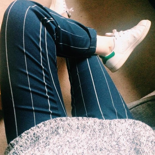 Pattern. #trousers #sneakers #grey #cool #saturday #ootd #chill #cool #relax #pattern #stansmith