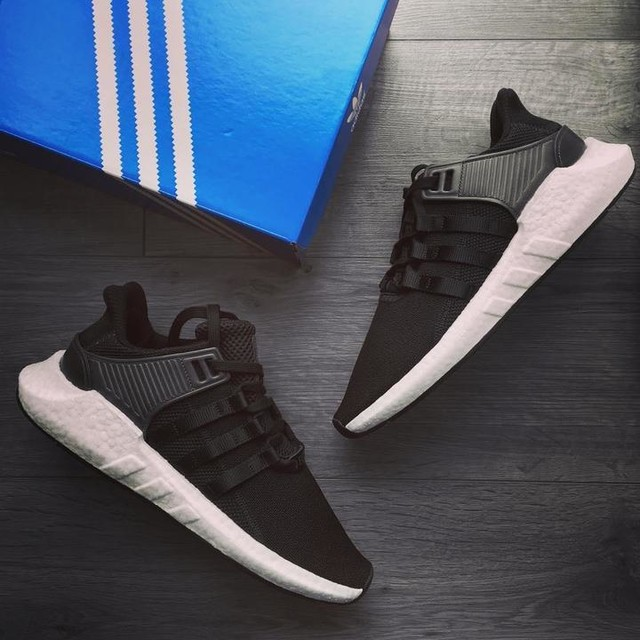Mad comfy ☁️☁️ EQT Support #eqt9317 #eqtsupport #adidas #adidaseqt #adidasboost #boost #thebrandwiththe3stripes #3stripesstyle #solesupplier #trainers #blackandwhite #hypebeast