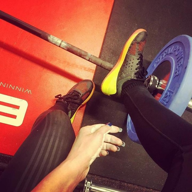 Wednesday night, it's time for some heavy deadlifts! Thanks for the chalk Luis defo improvement on the grip 💪🏻💪🏻! #fitnessfirst #gymlife #ff #eatsleeptrain #deadlifts #esp #liftheavy #trainhard #loveit #reebok #nano7 #reebokwomen