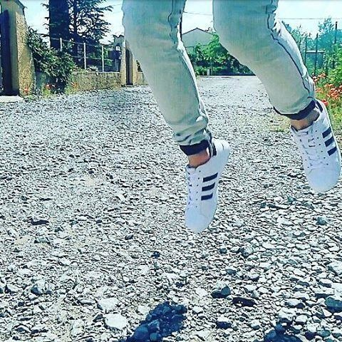 #instagramers #instafeed #toptags #instamoment #instamood #adidas #superstar #instaboy #instamode #style #jump #cool #boy #man #whiteshoes #endofschool #alex #miguel #cestmoialex #myshoes #newshoes #jean #stylish #likeforlike #subforsub #followback