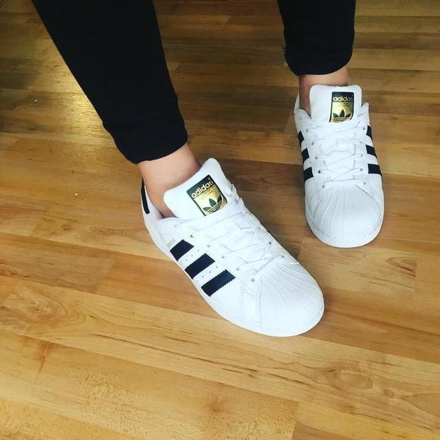 Fresh shoes like 😎  #adidas #adidasoriginals #superstar