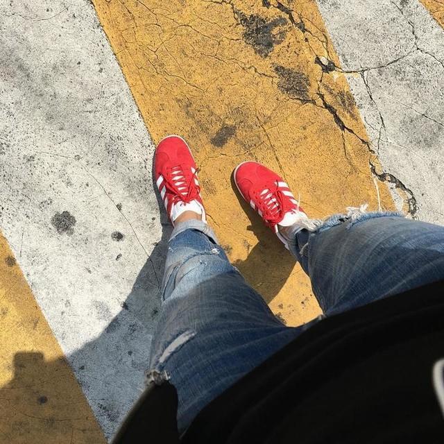 #20170415 GAZELLE 🎈 - #spring #shoe #adidas #gazelle #red #ootd #슈스타그램 #아디다스 #가젤 #미취학이후 #첫빨간신발 #미친날씨