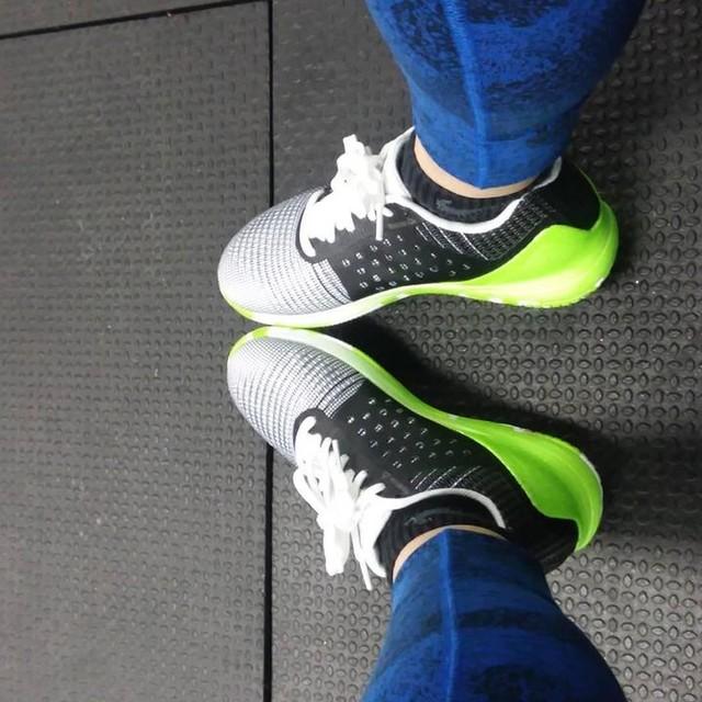 Loving my new #nano7 sneaks. Feeling comfy and durable for training. Good job @reebok @crossfit. #newshoes #training #reebok #crossfit #athlete #athletepandt #mako #makotraining #lifestyle #nolimits