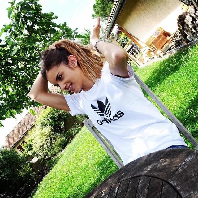 Adidas Girl 😎 @adidas #adidas#adidasoriginals#shirt#girl#sun#weekend#great#picoftheday#white#tieanddye#hair#country