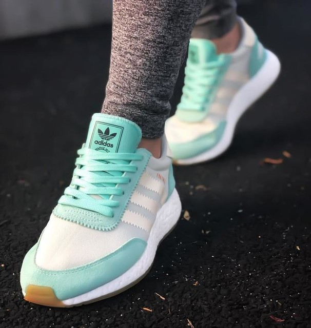 Easy green 👗 #inikirunner #inikiboost #adidas #adidasrunning #adidasoriginals #adidasgoals #teamadidas #threestripes #boostvibes #kickspics #sneakerporn #kotd #sneakers #kicksovereverything #fashion #womensfashion #gymsharkleggings #run #running #sneakerhead #sneakerphotography #mintyfresh #sneakergirl #stripes #getstriped #smys #stockx @stockx @adidas