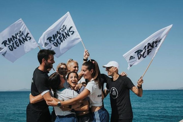 Together we can make waves. Together we #RunForTheOceans | @adidasrunning is contributing 1$ to @Parley.tv Ocean Program for every 1km run, for the first million kilometres, 8/6-8/7. Sign up on @Runtastic to log your miles and join  #adidasRunnersAthens | adidas.com/parley | ——————————————- 📸: @panosgeorgiou  #adidasParley #UltraBOOST #Run #adidasRunning #adidasRunnersAthens #adidasRunbase #Running #coach #community  #run #runningcoach #runlife #runninggirl #for #a #good #purpose #fitnesslifestyle #happiness #fitspo #fitspiration #fitnessmotivation #fitnessaddict #runners @adidasgr @adidas @adidasrunners @adidasrunning @runtastic