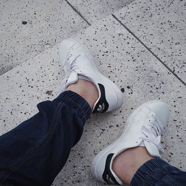 Good shoes take you to good places... #shoes #adidas #stansmith #white #navy #new #newfilter #ootd #potd