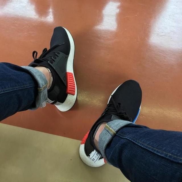 お気に入りの靴で電車旅 #小旅行 #一人旅 #暑い #adidasoriginals #nmd