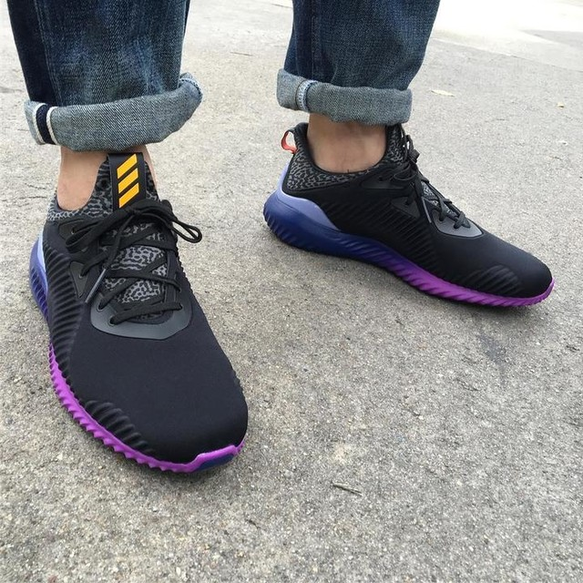 Kickz Today #adidas #adidasalphabounce #alphabounce #adidasthailand #adidasperformance #running #coreblack #solargold #sneakers #thaisneakerheads #soul4street #bangkok #wdywt