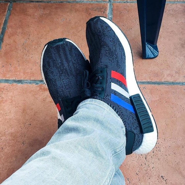 Must cop 2017👟💣NMD R1 Black Tricolor 🔥🔥🔥 #adidas #adidasnmd #nmd #nmdr1 #primeknit #style #streetwear #streetstyle #streetfashion #sneaker #sneakers #fashion #mensfashion #menstyle #heat #instacool #shoes #followme #mystyle #germany