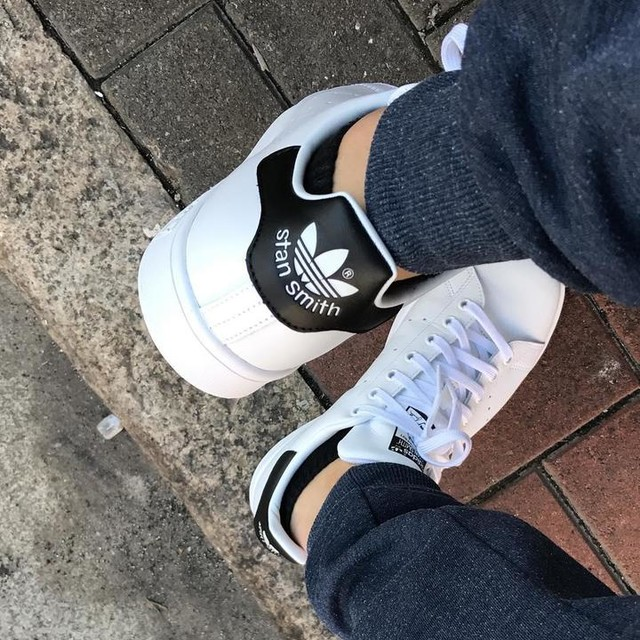 New sneaker for the month~~ #adidas #stansmith #black #newshoe #yeah #hongkong