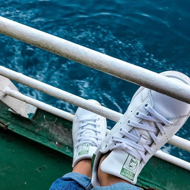 Good shoes take you good places. #stansmith x #roro