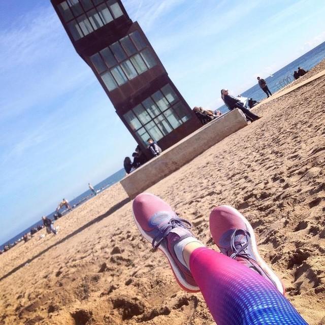 Finally: over 9K along the beach under the sun. I ❤️running. #activegirl #fitgirl #runninggirl #sundayrunday #sundayrun #fitster #beach #barceloneta #barcelona #beachrun #fitfreak #fitnessfreak #fitlifestyle #fitlife #running #adidas #pureboostx #whyirunbcn #instarun