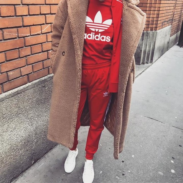 ⭕️⭕️⭕️ #hello#sunday#adidas#allred#adidasred#adicolor#collection#look#red#converse#commedesgarcons#teddy#lookoftheday#off#goodday