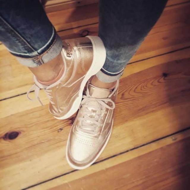 #New #Babies 😍👟 #reebokclassics #reebokclassic #reebok #meltedmetal #sneaker #sneakerlove #lovesneakers #sneakeraddict #sneakersoninstergram #instasneakers #sneakerhead #happygirl #hi