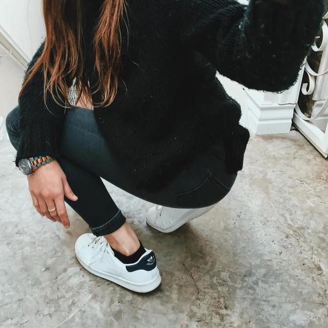 Looooove me some new kicks 👟👟👟✨ #kicks #adidas #stansmith #winter #ootd