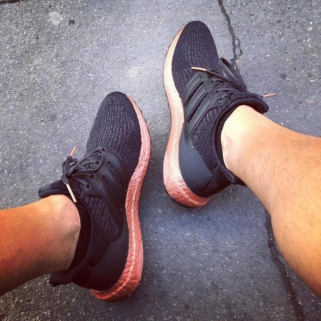 🔥 🔥 🔥Adidas Ultra Boost 3.0 core black/tech rust. #adidas #ultraboost #adidasultraboost #boost #paris #fashion #sneakers #sneakeraddict #sneakerhead #sneakerfreaker #sneakerfreakerfam #complexkicks #adidasoriginals  #ultraboost30 #yesadidas #techrust #rust #bronze