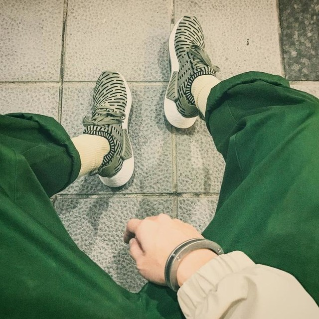 NMD R2 PK #adidas #adidasoriginals #NMD #RAINDROPCAMO #SNEAKERS #outfitfromabove #outfit #outfits #looklooks #lookoftheday #outfitoftheday #drillinglab
