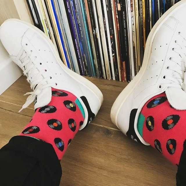 Daily essentials #friday #mylife #essentials #vinyl #noboringsocks #sockgameonpoint #happysocks #adidas #stansmith #sneakers #shoegame #music #vinylonly #🎶