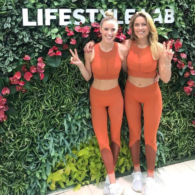 Twinning Thursdays sometimes just have to be done! 🍊🧡 @adidaswomen #heretocreate #adidaswomen #soulsistermethod