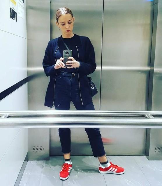 ROUGE Gazelle #adidas #3stripesstyle #ascenceur
