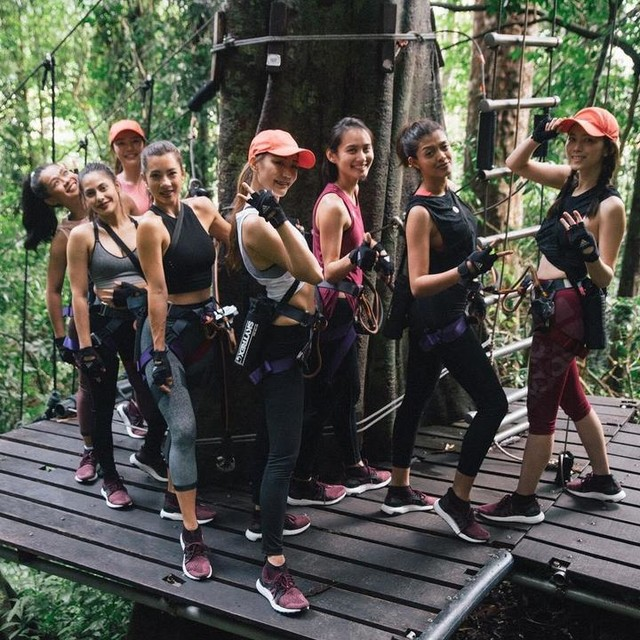 #throwback last week ! When the others look to camera and smile, but my eyes kept looking up to know how heights it is 😂  I wanna do the sky trex again for the next. @adidasindonesia #adidasindonesia @adidaswomen #adidaswomen #HereToCreate #UltraBOOSTX #AllTerrain #ATR