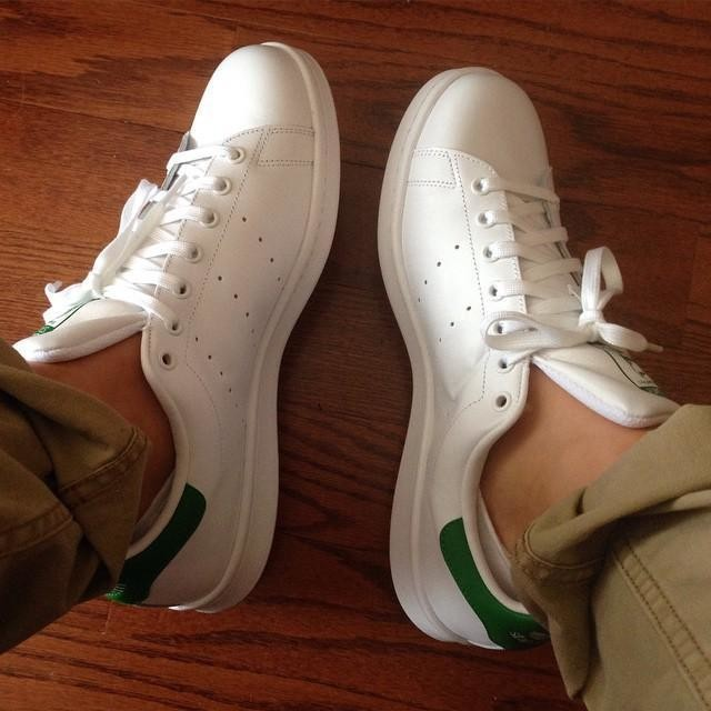 Watch your step. 🔥 #adidas#stansmith#tennis#sneakers#sneakerhead#shoes#whiteonwhite#nofilter @adidas @adidasoriginals